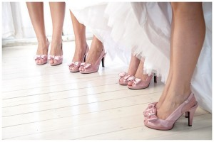 cn005-kleinevalleij-jani-b-pink-grey-real-wedding-shoes