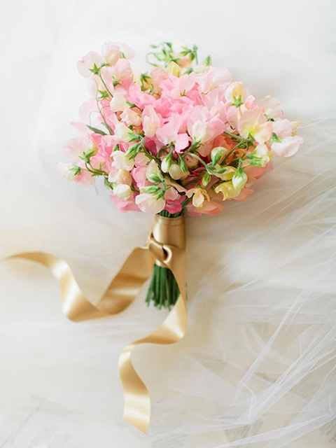pink-sweet-peas-bouquet